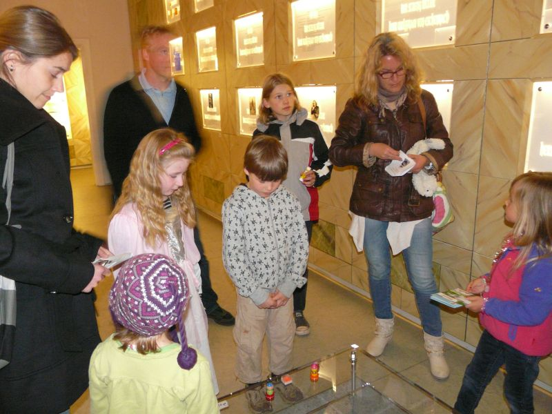 Wolframs-Eschenbach Internationaler Museumstag Kinderfuehrung  Wolframs-Eschenbach - Internationaler Museumstag